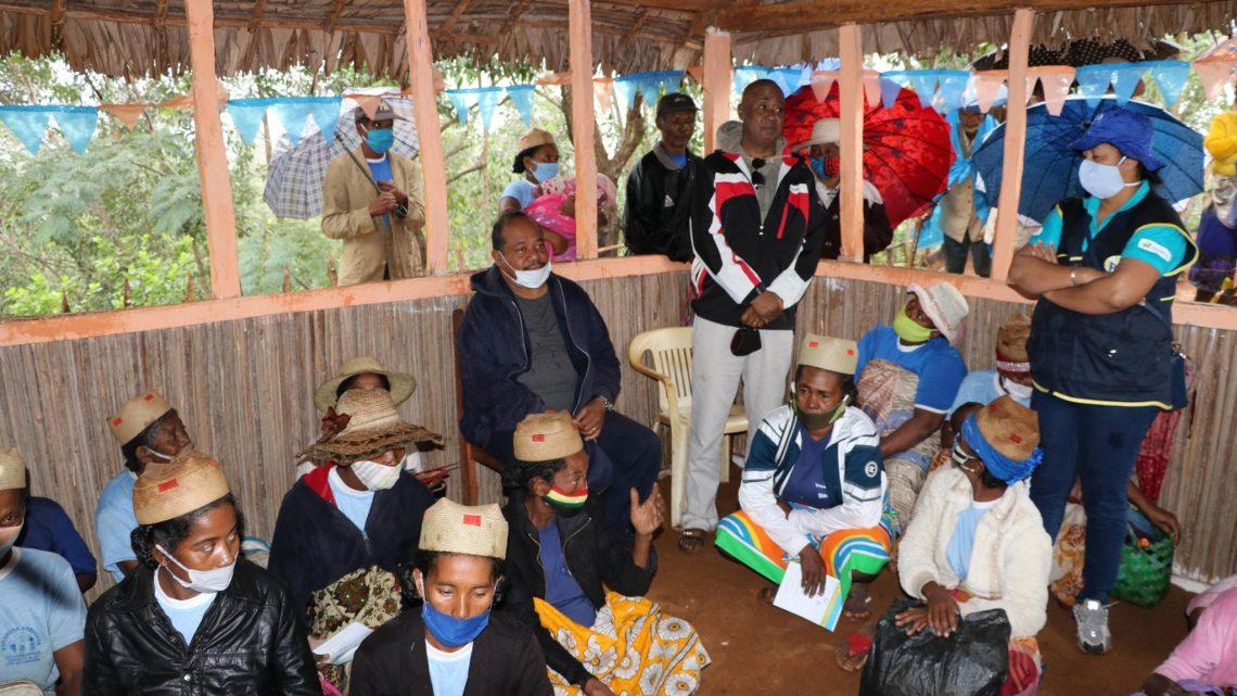 Vatsin'Ankohonana et Ndao hianatra - Vohipeno / Transfert monétaire pour le développement humain (TMDH) & let us learn (LUL): Rencontre avec les familles bénéficiaires le 25 juin 2020
